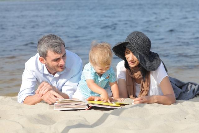 【絵本】絵本選びに迷うあなたへ。1歳娘が読んでとせがむ絵本ベスト3