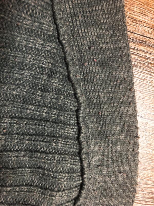 毛玉だらけセーター